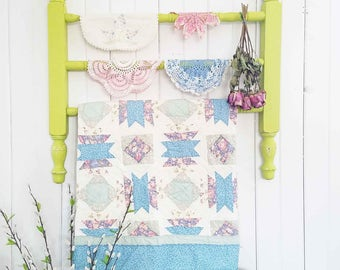 Cottage Style Quilt Rack ~ Spring Green ~ Repurposed Farmhouse Shabby Chic