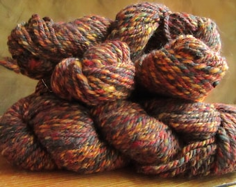 "Tweedee spinning wheel ""Autumnal"" hand-spun wool"