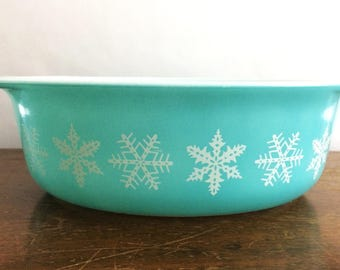 Vintage Pyrex White on Turquoise Snowflake 043 Oval Casserole Baking Cooking Kitchen Holiday Christmas Winter