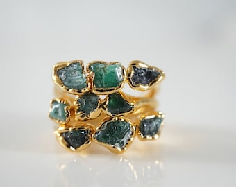 Raw Emerald Ring • May Birthstone Ring • Raw Crystal Ring • Stackable Ring •Gift for Mom • Emerald Anniversary •Nature Inspired Ring