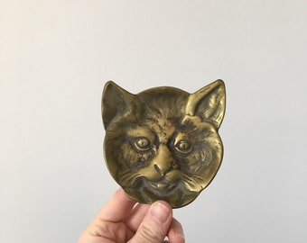 Brass cat face ring dish