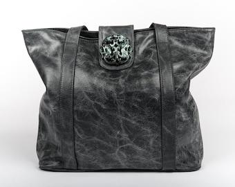 Sac à main Tote/  cuir pleine fleur glacé gris-noir effet marbré/orné de jade sculpté à la main/ porte documents/ ordinateur /portable