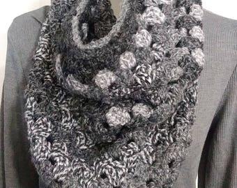 Triangle Cowl,Cowl Scarf, Chunky Gray Cowl, Crochet Cowl,Gray Scarf, Colorful Scarf, Crochet Scarf, Chunky Scarf