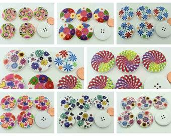 6 Boutons Bois modèles divers Multicolores ou mix dia 30mm 4 trous Fleurs Coeurs Spirales fille