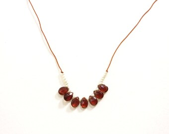 GARNET + PEARL Necklace / JANUARY Birthstone / Beaded Gemstone Necklace / Short Necklace / Boho Style / Layering / Folkloric Jewelry