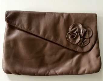 Vintage Leather Taupe Floral Clutch Purse