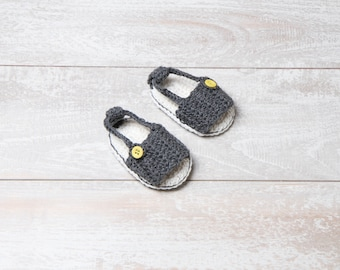 Newborn boy gray crochet sandals. Baby boy crochet summer Sandals, baby boy crochet shoes, baby boy sandals, boy crochet shoes for summer