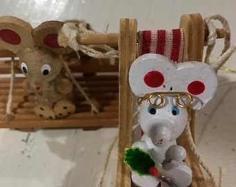 SUMMERSALE Set of 2 wooden ornaments featuring mice on chairs