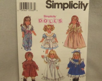 Vintage Simplicity 8211 Doll Wardrobe for 18 Inch Doll Factory Fold