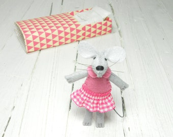 Hand felted dolls felt mouse kit mouse in bed stuffed animal mouse in matchbox birthday gift idea kids gift pre teen girl birthday