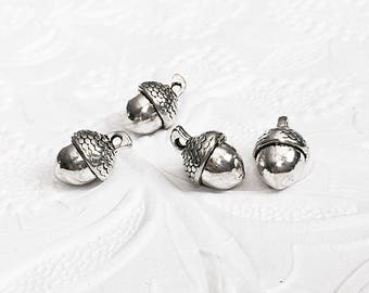 4 Acorn Pendants, Silver Acorn Pendant, 3D Acorns, 14mm x 10mm, SP014