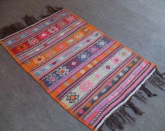 kilim rug  VINTAGE TURKİSH dursubey cecim kilim Anatolian handwoven kilim rug decorative kilim - SİZE : 33'' X 50'' (83 cm X 125 cm)