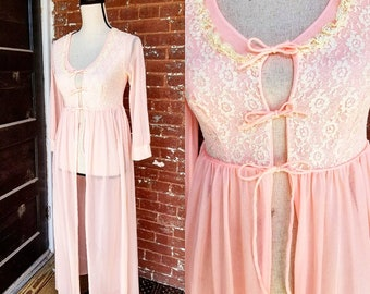 1950s Pink Dressing Gown || Sheer and Lace || Small