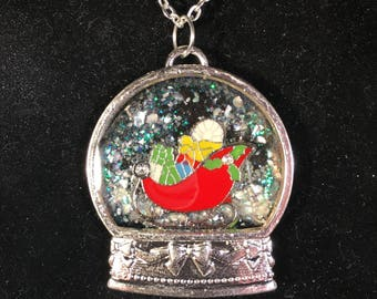 Beautiful Christmas Snowglobe Necklaces!!
