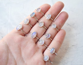 Moonstone ring • Dainty gemstone ring • Sterling Silver • 925 • Faceted Moonstone Ring