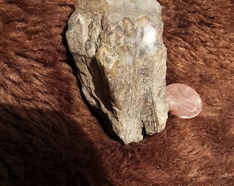 Neat chunky candle quartz with lithium//atlantean lovestar//pineapple quartz//lithium quartz//81 grams//2.5 inch//quartz//crystals