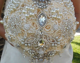 Silver and Ivory Wedding Brooch Bouquet, Cream Ivory Brooch Bouquet, Ivory Diamond Gem Bouquet, Custom Brooch Bouquet, DEPOSIT ONLY
