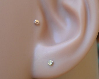 Tragus Earring - Catilage Earring - Nose Ring Stud 14K Solid Yellow Gold 2mm Hammered Disk Tragus Stud - Tragus Piercing - Gold Tragus Stud