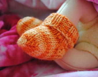 Darling Little Baby Socks PDF PATTERN