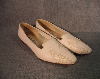 80s Enzo Angiolini flats// White woven leather vintage summer slip ons// Women's size 8-8.5 USA