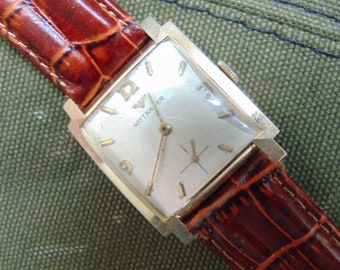 Mens Square Wittnauer 17 Jewel Mechanical Straight Wind Vintage Watch.
