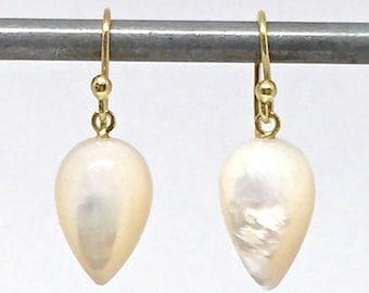 18k Acorn Earrings Pearl Acorn Earrings Mother of Pearl Acorn Earrings June Birthstone Gift for Wife Womens Gift for Wife Bridal Earrings