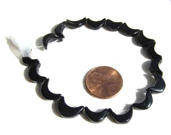 Carved Black Onyx Moon Crescent Beads 12mm ct 17