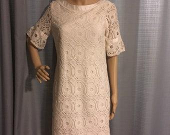 Vintage Lace dress, wedding casual dress! Beautiful, lace shift dress! Liz Claiborne summer dress, must see, women's size 8, cream