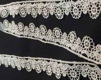"30 yards of 1"" Beautiful Flower Lace Trim"