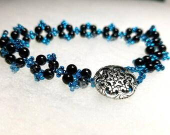 Bracelet, Beaded Bracelet, Black and Teal Bracelet, 7.5 Inch Bracelet, 4 Point Star Bracelet, Handmade Bracelet, Handmade Jewelry