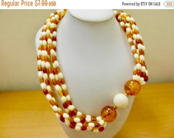 On Sale Vintage Ivory and Carmel Torte Plastic Beaded Necklace Item K # 2497