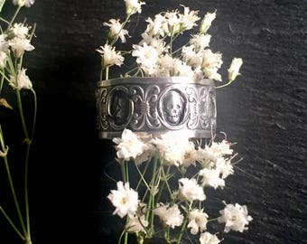 Skull and Hourglass Sterling Memento Mori Ring