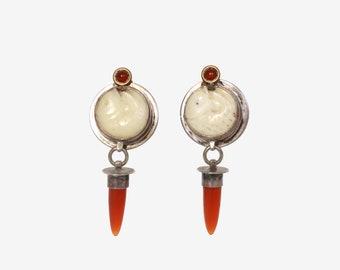 Vintage Sterling Carved Fish Earrings / 1980s Sterling Silver Bovine & Carnelian Drop Pierced Earrings