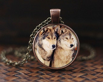 Wolf Pendant, wolf necklace, wolf couple, wolf loyalty necklace, Loyalty pendant, wolves jewelry, nature necklace
