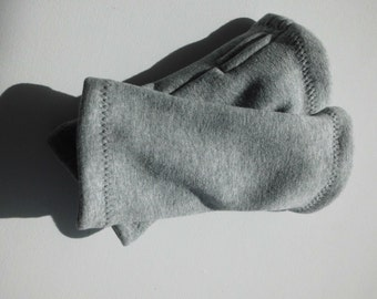 Dolores D warmers grey with thumb hole for men and women from Alpenflecce size M