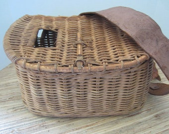 Antique Fishing Creel Wicker Fish Basket Vintage Creel Leather Strapped Basket Fishing Photo Prop Cabin Decor Vintage Decor Rustic Decor