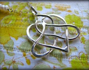 Celtic Trinity Heart Love Knot Pendant Necklace - Tattoo Design Symbol Trilogy - Gift  Partner Spouse Birthday Retirement Graduation Wife