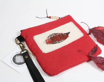 Red linen wristlet, Red wristlet, Small wristlet, Party Purse, Small Pouch with strap, Block printed Design