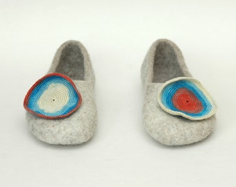 Felted Slippers Women home shoes Natural felt Blue brown red white Eco fashion Natural wool 100% wool Traditional felt Valenki