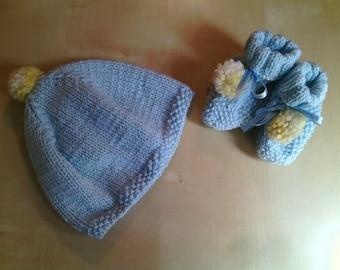 Full wool newborn beret and shoes handmade heavenly and yellow-baby wool cuff-Newborn male socks-birth gift