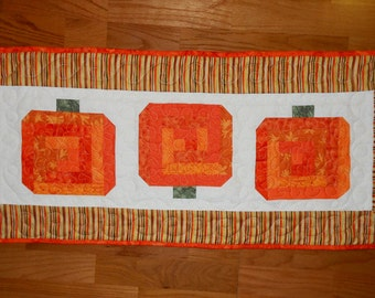 Log Cabin Pumpkin PDF Table Runner Pattern