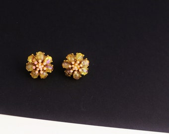 Jose Maria Barrera Goldtone Pale Pink /Coral/ faux Peritot  Flower Earrings Clip on