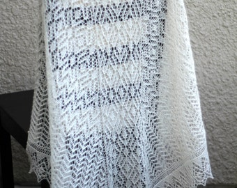 Spring Wedding, Summer wedding, Wedding Shawl, Bridal Shawl, Bridal Cover Up, Lace shawl, Triangular shawl