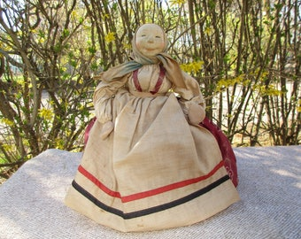 Russian Peasant Woman Tea Cozy with Label has Sweet Stockinette Face