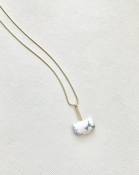 LAZLO necklace -  White Howlite