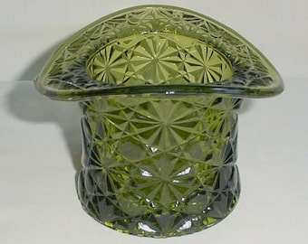 Vintage Fenton Green Glass Button & Daisy Top Hat