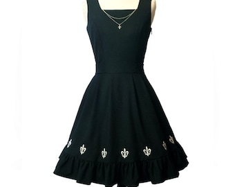 JULY PREORDER Gothic lolita dress jumperskirt jsk fleur de lis embroidery full lining removeable sterling silver polyester viscose black