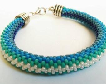 Bead crochet spiral bracelet in different blue shades. Seed bead jewelry. Beaded crochet. Handmade beadwork. Seed bead bracelet