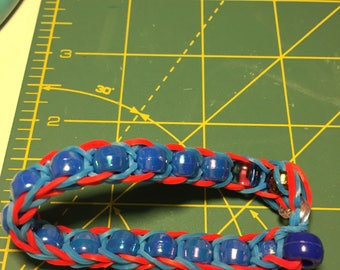 Rubber band bracelet with beads