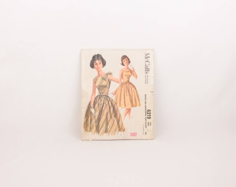1960s McCalls 6219 // misses and juniors dress // belt and bow